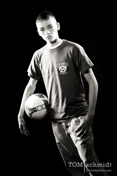 kc-senior-pictures-img_0110-copybw